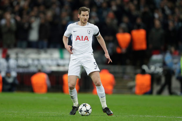 Tottenham trigger Vertonghen contract option